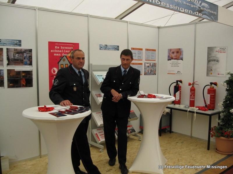 Kommandant Bernd Strohmaier und sein Stellvertreter Markus Flur informierten über Brandschutz im Haushalt