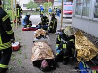 Im Realfall arbeiten hier Rettungsdienst und Feuerwehr Hand in Hand.