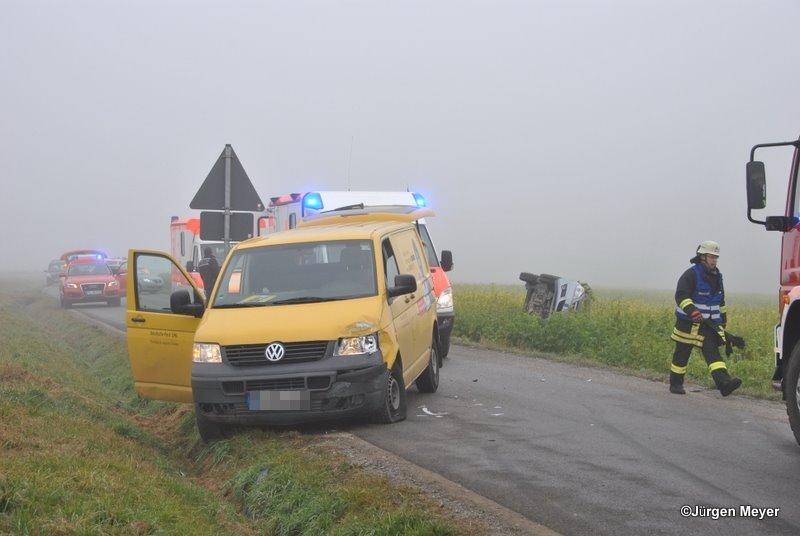 Die Fahrerin des Transporters wurde nur leicht verletzt. Das Bild wurde freundlicherweise von Jürgen Meyer zur Verfügung gestellt.
